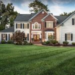 House with impeccable lawn care